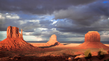 Sunset with dramatic sky in Monument Valley