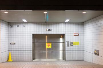 立体駐車場の出入り口のイメージ