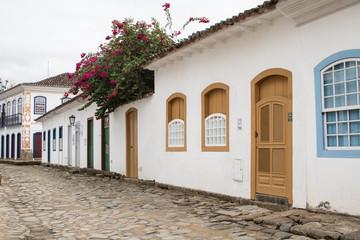Die bunten Türen von Paraty