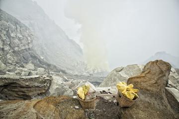 Volcano Ijen - sulfur mining