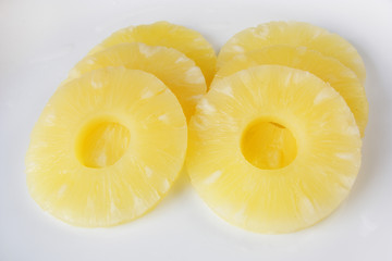 canned pineapple rings