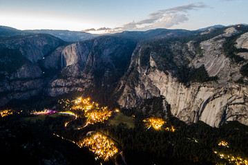Wall Murals Yosemite Valley Lit Up at Dusk 2