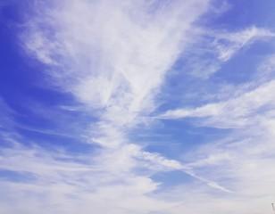 Flyaway clouds in Autumn