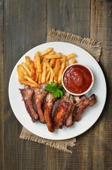 Grilled sliced pork ribs