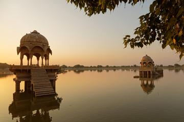 Monuments au lever de soleil à Jaisalmer