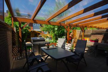 Terrassenüberdachung - Pergola aus Holz montieren