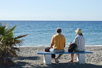 retraite pension retraité pensionnés vieux mer océan couple vacances mariage