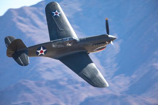 American WWII fighter plane (Curtiss P40-k Warhawk)