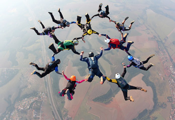 Skydiving team wotk