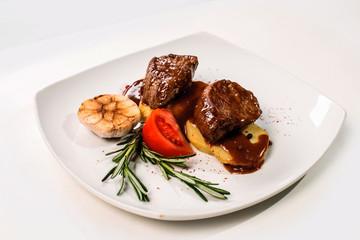 Мясное блюдо с картофелем