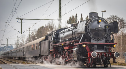 Obraz vintage black steam powered railway train - fototapety do salonu