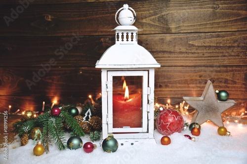 weihnachten gru karte laterne im schnee stockfotos und lizenzfreie bilder auf. Black Bedroom Furniture Sets. Home Design Ideas
