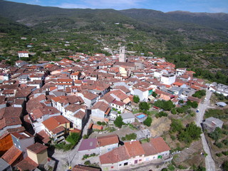 Garganta la Olla ( Caceres, Extremadura) desde el aire. Fotografia aerea