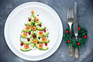 Christmas tree appetizer avocado salmon salad tartare ceviche
