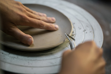 Crop artisan carving clay dish
