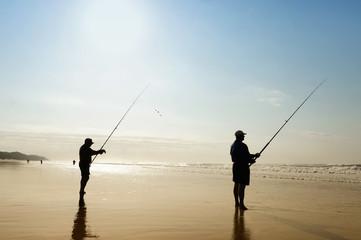 Fischer am Strand in der nähe von Durban, Südafrika