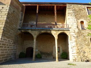 Garrovillas de Alconétar  es una villa y municipio español de Cáceres, Extremadura