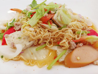 Fried Noodle Salad with Spicy Sauce - Food
