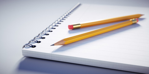 Bleistifte auf Notizblock