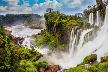 Tuinposter Watervallen The famous waterfalls Iguazu