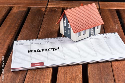 Kalender Mit Dem Eintrag Nebenkosten Fur Das Haus Abrechnen