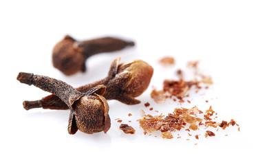 Papiers peints Herbe, epice Cloves spices in closeup