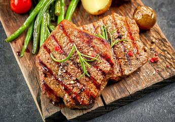Grilled fillet steaks