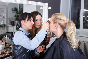 makeup tutorial lesson at beauty school