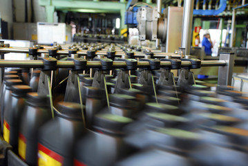 Lubricating oil industry for engines
