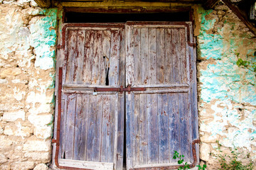 barn wooden door