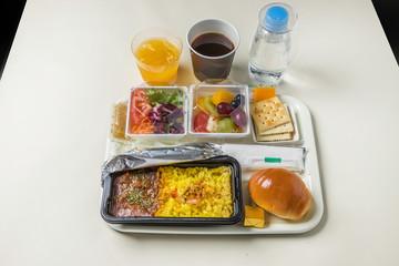 国際線の機内食 flight meal of the international economy