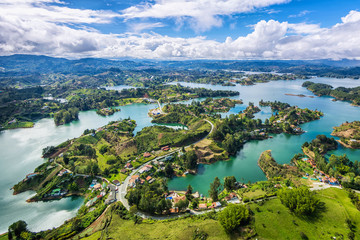 Fototapeten Südamerikanisches Land Guatape panoramic view from the Rock (la Piedra del Penol), near Medellin, Colombia.