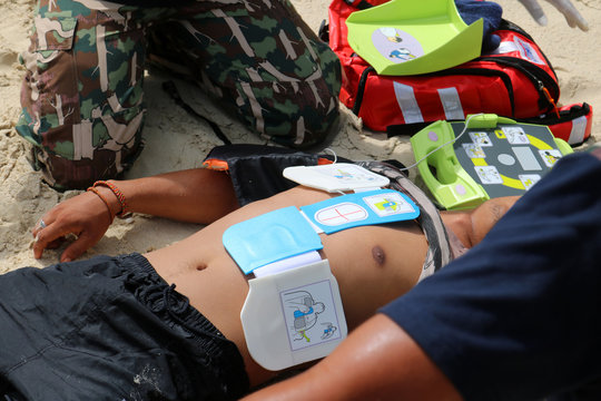 CPR and AED on the beach, Training for Rescue and first aid