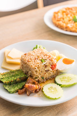 rice mixed shrimp paste sauce with crispy fried fish and sweet pork