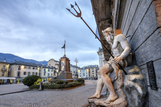 Aosta. Piazza Émile Chanoux is the main square in Aosta. It is located in the central part of the city and has rectangular shape with long sides exposed to the north and south. Val d'Aosta, Italy