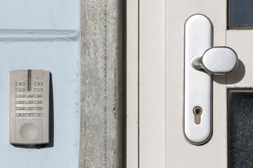 Zutrittssicherung an Außentür