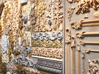 Wooden carved patterns for interior decoration