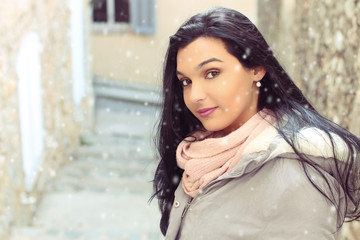 Fashion young woman in the winter time. outdoor portrait