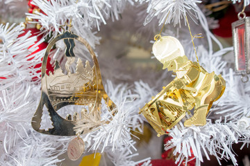 Gold Christmas Decorations White Tree 2