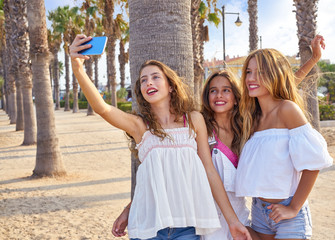 Teen best friends girls group shooting selfie