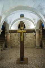 Bresci - Duomo vecchio - crocifisso