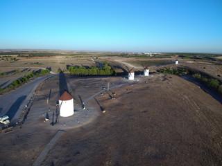 Don Quijote. Molinos de viento de Mota del Cuervo pueblo de Cuenca (Castilla La Mancha, España)
