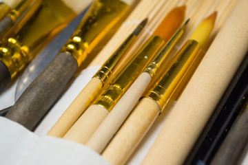 Brushes for painting and palette knife