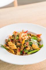 Stir-fried spicy seafood