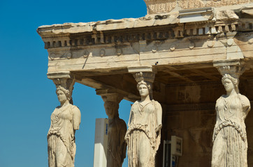 Fototapete - parthenon in Athens greece ancient monuments caryatids