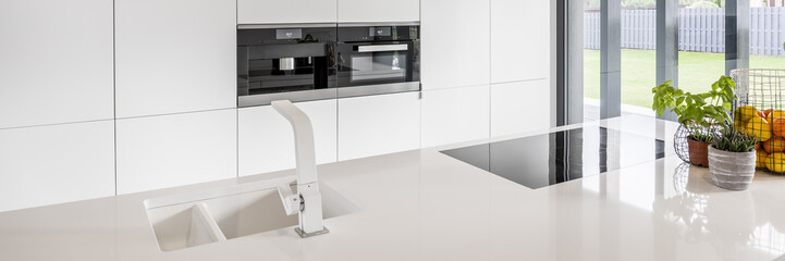 Kitchen with glossy countertop