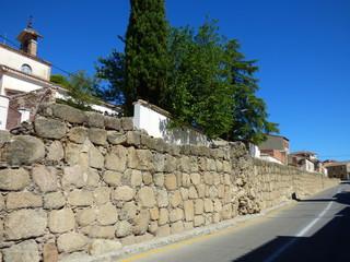Murallas en Castillo de Oropesa. Pueblo de Toledo, en la comunidad autónoma de Castilla La Mancha (España)