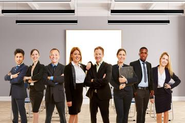 Business Berater Gruppe in Konferenzraum