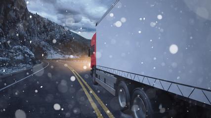 LKW von Spedition fährt im Winter durch Schnee