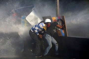 Pictures of the Year: Venezuela crisis